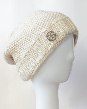 Alyssa Schwarz VAL D'ISÈRE beige Wollstrick Mütze